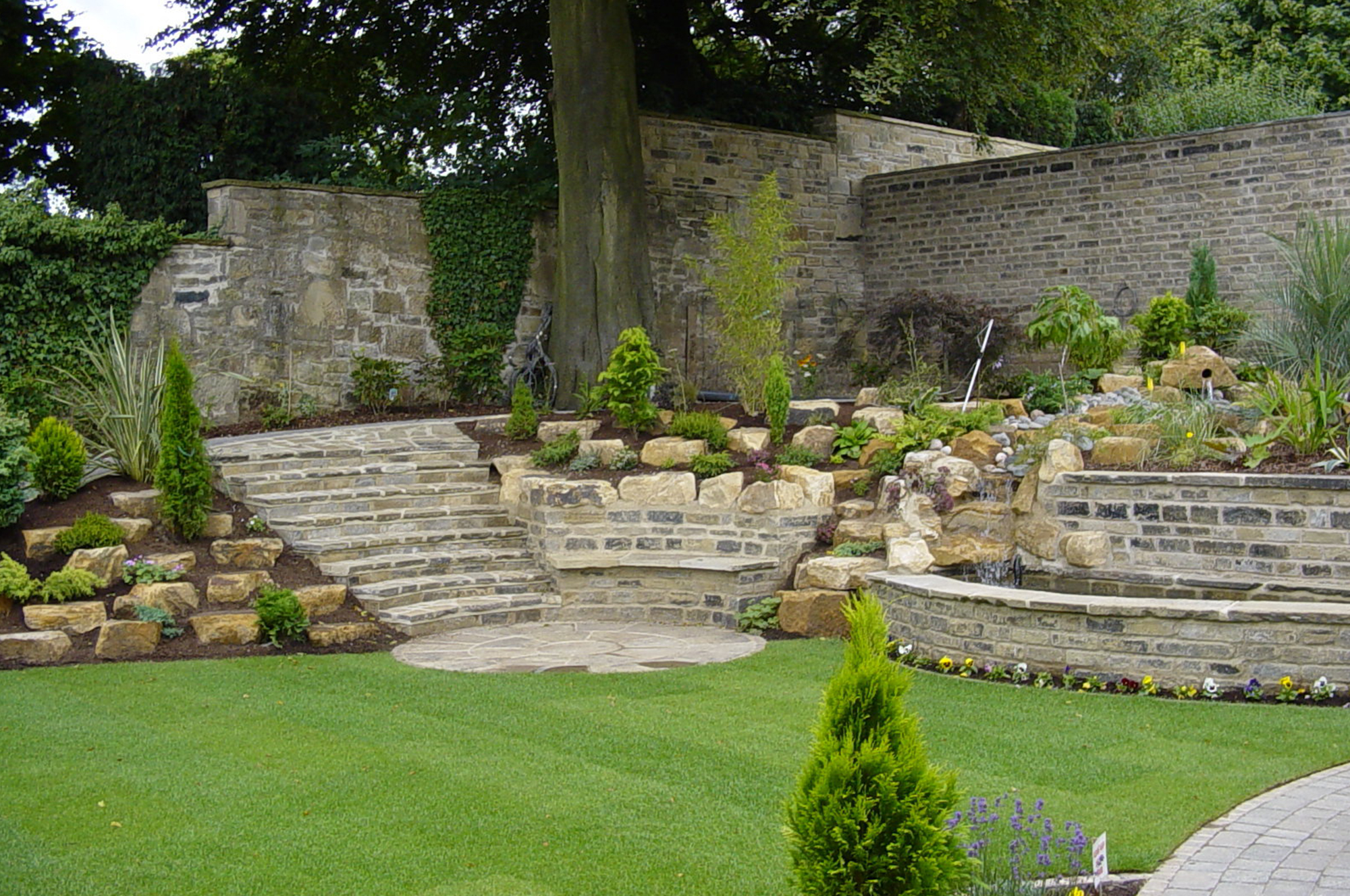 How the Right Walling can Finish off any Garden